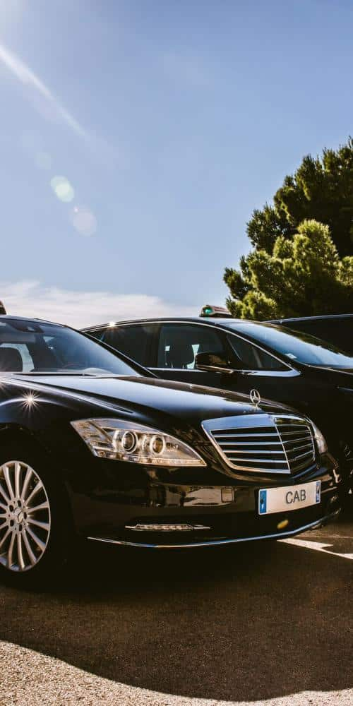 Gatwick Airport Taxi Transfer image